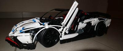 LEPIN 23006 - Lamborghini Aventador LP 720-4 Pirelli Edition (MOC)