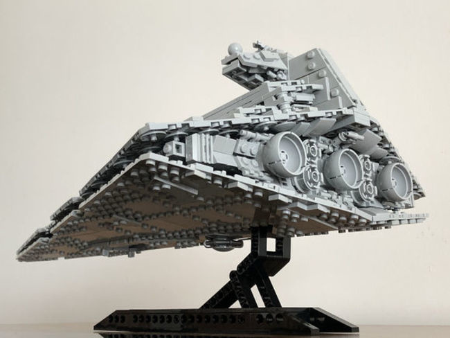 Review MOC 18916 The Empire over Jedha City By Onecase