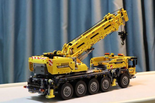 Review MouldKing 13107 Ultimate 42009 Mobile Crane MK Compatible MOC 0853
