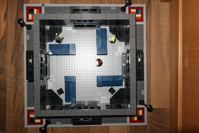 Review LEPIN 15016 - Apple Square University (MOC)