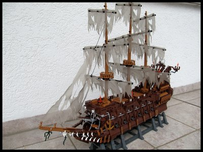 Review LEPIN 16016 The Flying Dutchman