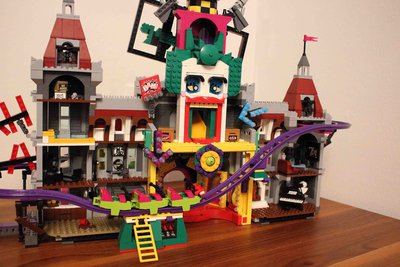 Review LEPIN 07090 - The Joker Manor