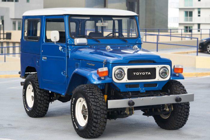 Technic XINYU YC-QC012 1:12 Toyota J40